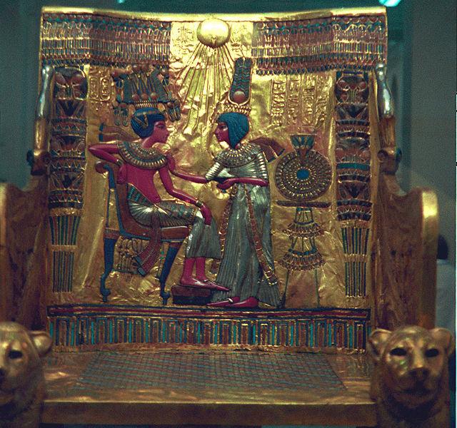 Тутанхамон со своей супругой Анхесенпамон