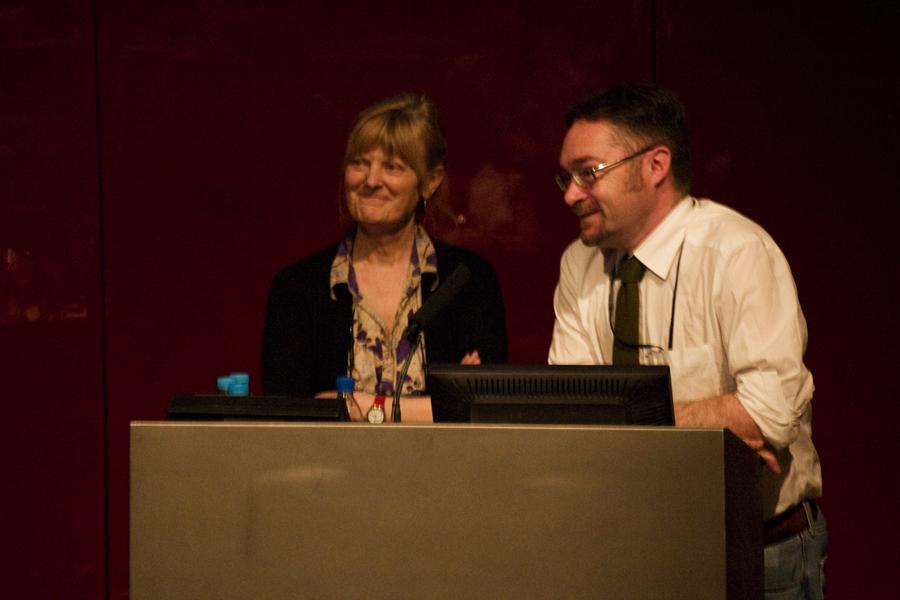 Ричард Паркинсон и Бриджит Лич с докладом на Египтологическом коллоквиуме 2009